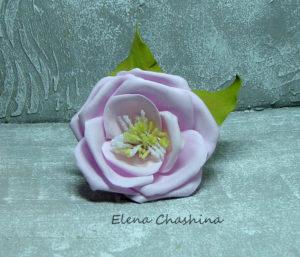открытая роза на резинке 300x257 Украшение для волос