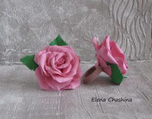 роза на резинке 300x235 Украшение для волос