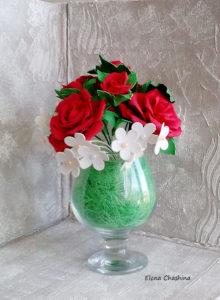 розы в бокале 220x300 Интерьерная композиция